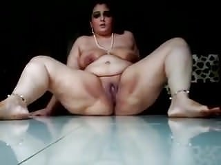 bhabhi showing on cam