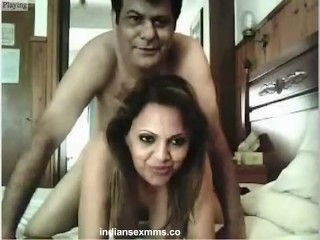 Desi Couples Nude Making her Sexy Fucking Vid