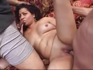 Amateur – Indian Mature Bareback MMF Threesome