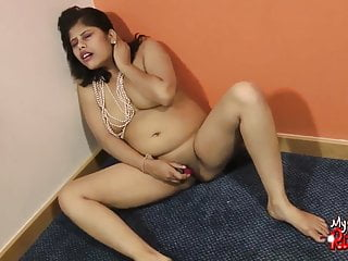 Indian babe Rupali using a vibrator masturbating