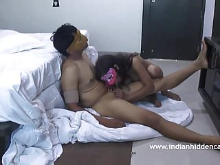 Indian Porn MMS Married Desi Couple Privacy Exposed