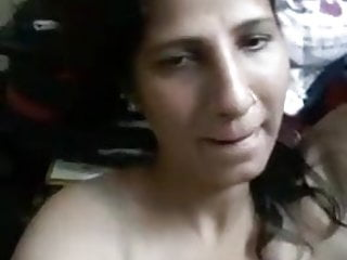 Desi beautiful aunty nude selfie for her boyfriend