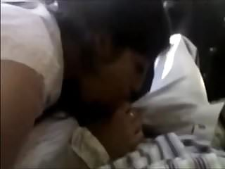 Desi College slut Divya pleases her client in car