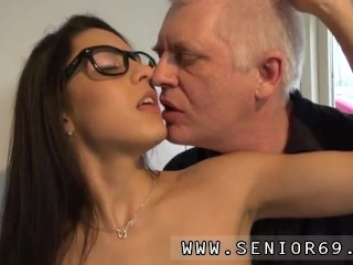 Desi old man fuck young girl and old dad and two daughters Carolina is