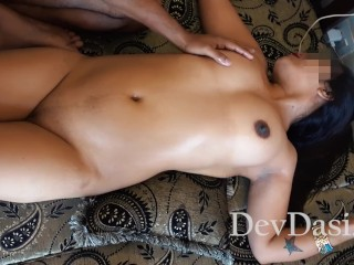 Hot Indian Wife Massaged By Stranger While Husband Shoots Video – Desi Sex
