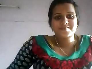 Indian Woman Shows Tits