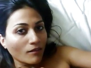 indian escort girl sucking customer dick in hotel