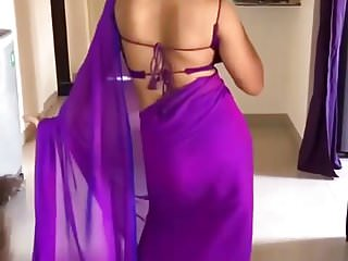 Famous bhabhi Harshita seductive dance in Saree- Woow